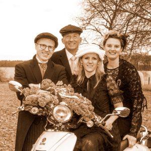 Boerenbruidspaar Roel Cox en Gerry Franssen  en hun getuuge Ron Denissen & Nicole Deenen